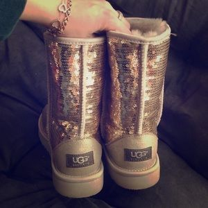 UGG classic short silver sequin boot size 7